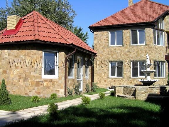 дома из камня фото